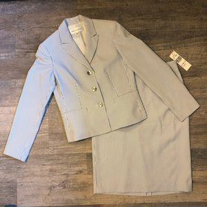 NWT Jones New York Skirt Suit, 6